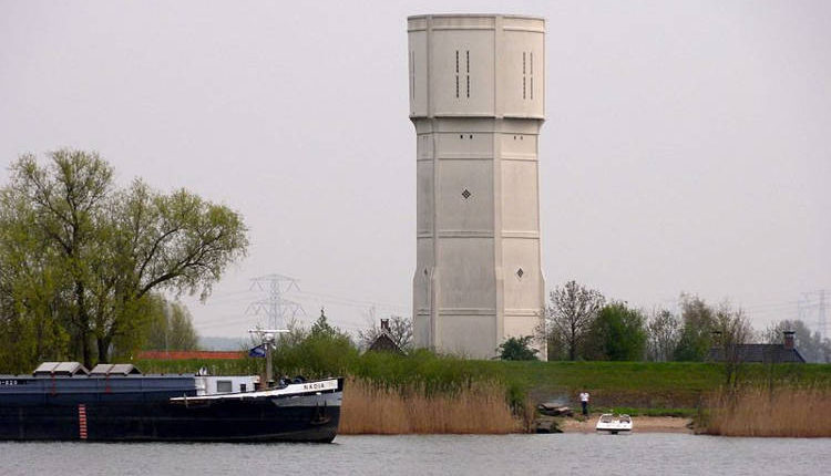 Cousins Turn Old Water Tower They Used to Play In